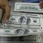 Strong dollar vexes mid-sized U.S. exporters, local demand helps
